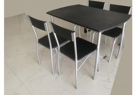 Ensemble Table 4 Chaises Soho Plateau Noirpieds Argentés